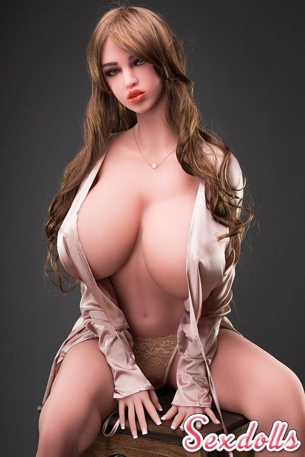 爆乳セックス人形