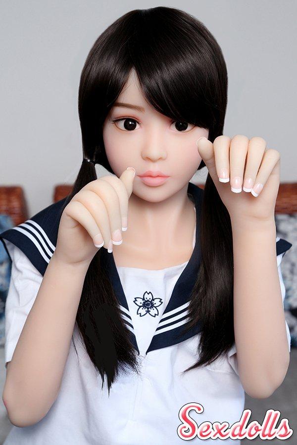 可愛いセックス人形