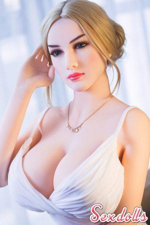 巨乳 セックス人形