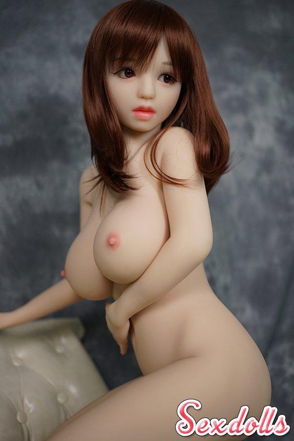 DH168 巨乳セックスドール
